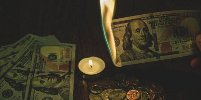 イカサマ疑惑でお金を失ったイメージ